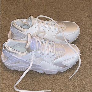 White huaraches 💜